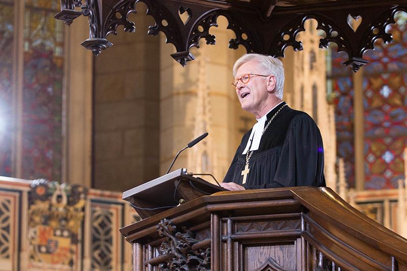 宗教改革500周年を記念する合同礼拝で説教するドイツ福音主義教会(EKD)のハインリッヒ・ベットフォルトシュトローム議長=10月31日、ドイツ・ウィッテンベルクの城教会で(写真:EKD/Glascher)