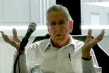 講師のポール・ピアソン教授=21日、東京都文京区で