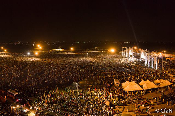 ナイジェリア最大の都市ラゴスで8日〜12日に開催されたクルセードの様子(写真:ラインハルト・ボンケ氏のフェイスブックより)