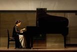 名曲は神様への喜びの声 サンドラ・シェンさんの伝道的ピアノコンサート