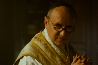 アウシュビッツで身代わりの死 コルベ神父の生涯描いた映画「二つの冠」 9日から上映