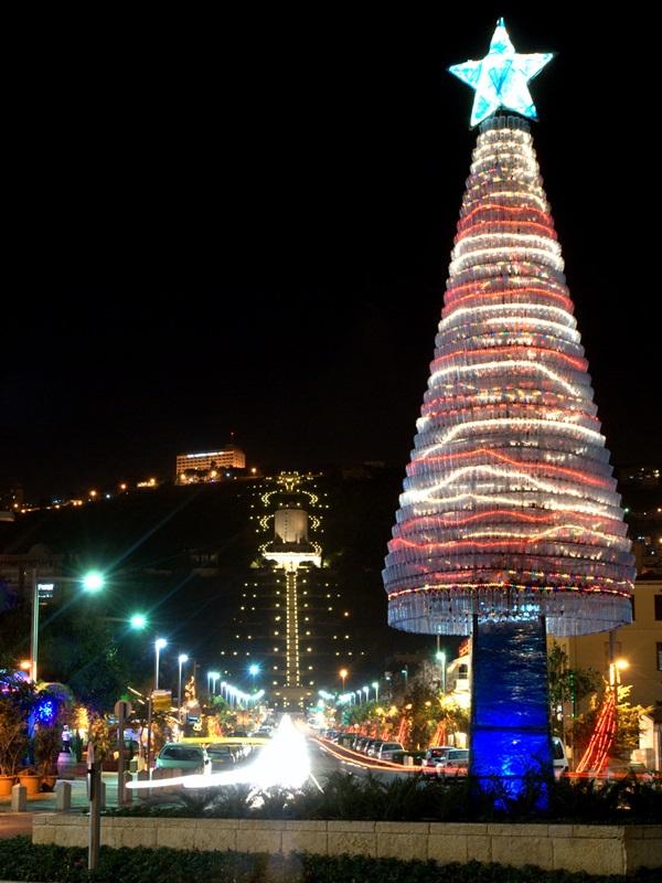 ハイファのクリスマスツリー(写真:シオンとの架け橋提供)