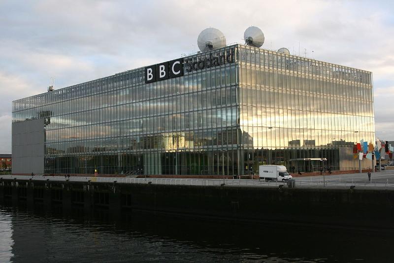 英スコットランド南西部のグラスゴーにあるBBCのテレビ・ラジオスタジオ(写真:Batchelor)