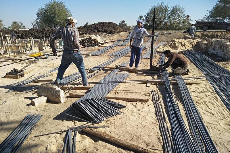 教会建設のための作業をするコプト教徒たち(写真:ワールド・ウォッチ・モニター)