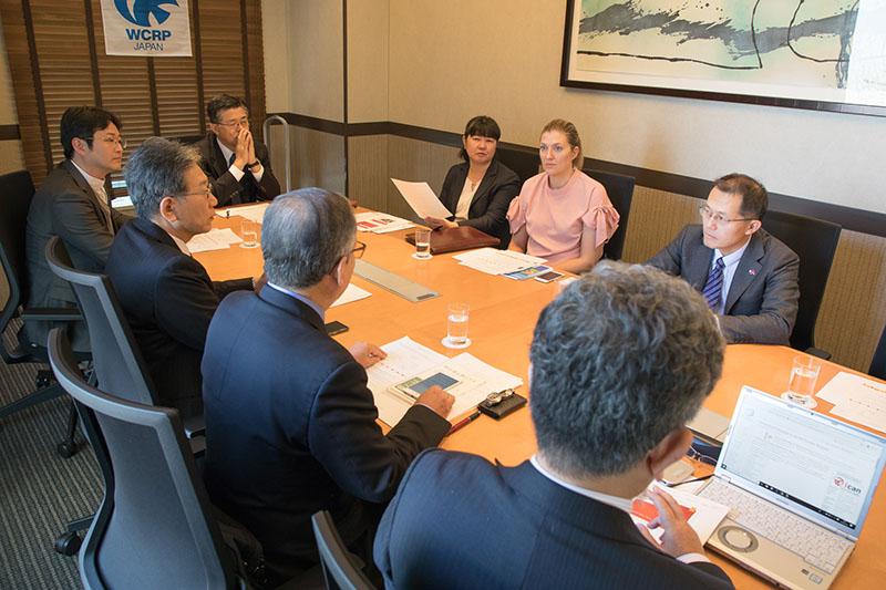 ノーベル平和賞を受賞したICANフィン委員長と宗教者らが懇談