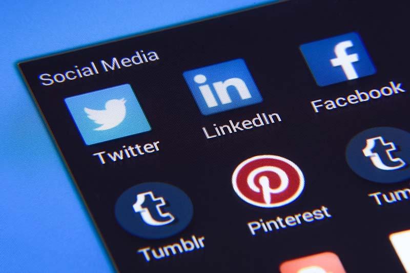 教会はツイッターよりもフェイスブック派 オンライン献金の利用率は教会規模で差 米国