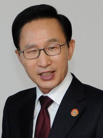 百人一読―偉人と聖書の出会いから―(80)李明博 篠原元