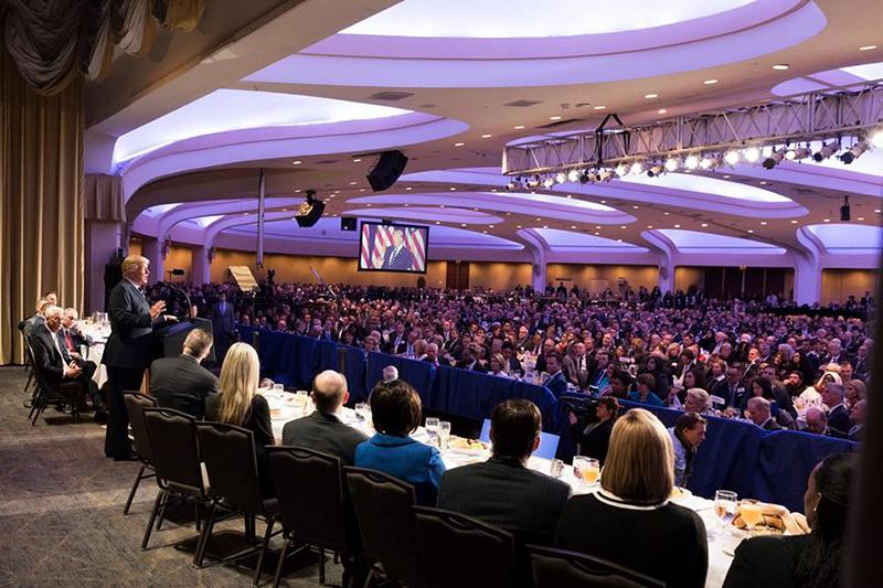 米国の第66回国家朝餐祈祷会の様子=8日、米首都ワシントンのワシントン・ヒルトンで(写真:ホワイトハウス / Joyce N. Boghosian)