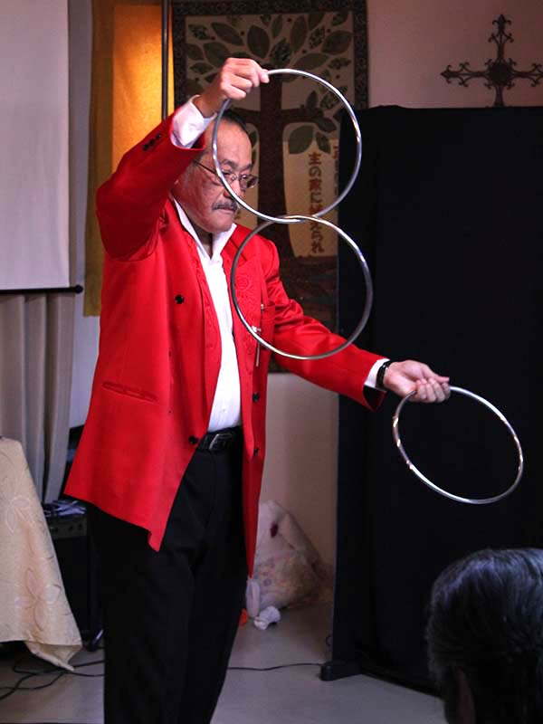 ゴスペル・タラント企画が活動開始20周年 ゲストの森本二太郎さん「自分の眼鏡を外してみて」