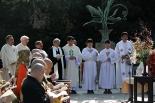 鎌倉大仏を前に「主の祈り」も 東日本大震災7年、3宗教が合同で追悼・復興祈願祭