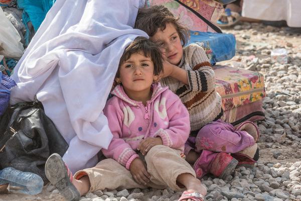 難民・移民の子どもたちは、移動する過程で人身取引や性的搾取、児童労働、子ども兵士としての徴用など、多くの暴力の危険にさらされている。