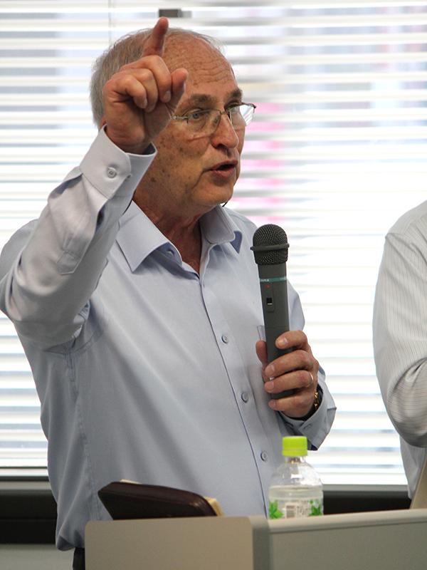 来日講演したイスラエル・メシアニック・ジュー連合議長のハナン・ルカス氏=1日、アットビジネスセンター池袋駅前(東京都豊島区)で<br />
