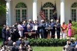 トランプ米大統領、ホワイトハウスに信仰に関する部署を設置