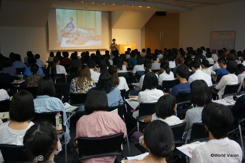シンポジウムには若者を中心に約150人が参加した=2日、グロービス経営大学院(東京都千代田区)で(写真:ワールド・ビジョン・ジャパン)<br />