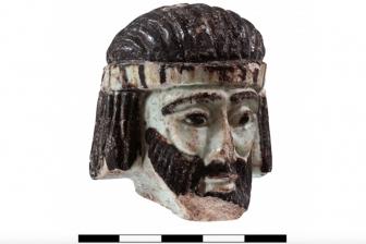 旧約聖書に登場するアハブ王の顔か、イスラエルで2800年前の像の頭部発見