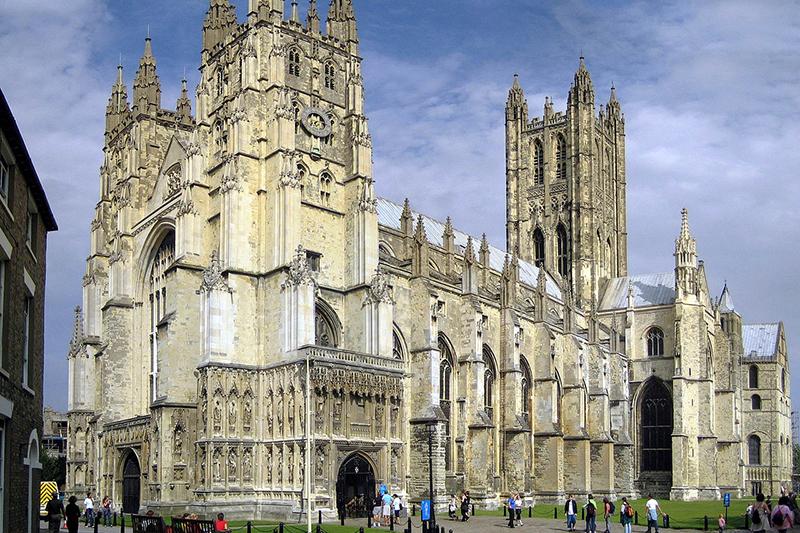 英南東部ケント州カンタベリーにある英国国教会のカンタベリー大聖堂=2005年(写真:Hans Musil)<br />