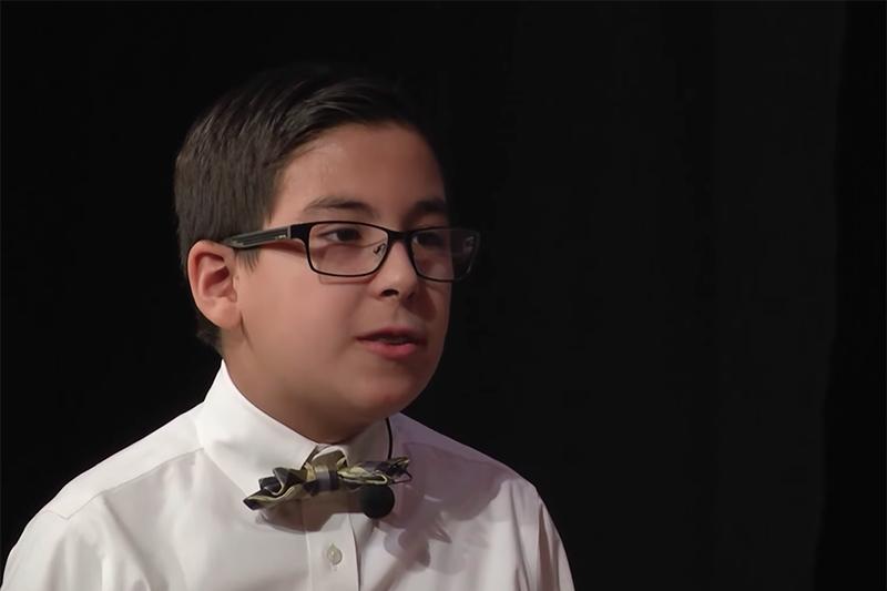 11歳で大学を卒業した「天才少年」ウィリアム・マイリス君(画像:正教会系大学のインタビュー動画より)