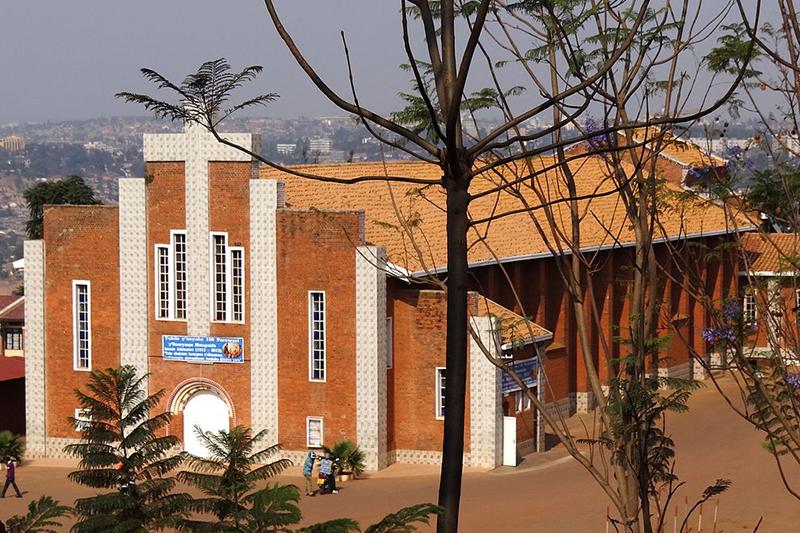 ルワンダの首都キガリにある聖家族教会(カトリック)=2012年(写真:Adam Jones, Ph.D.)