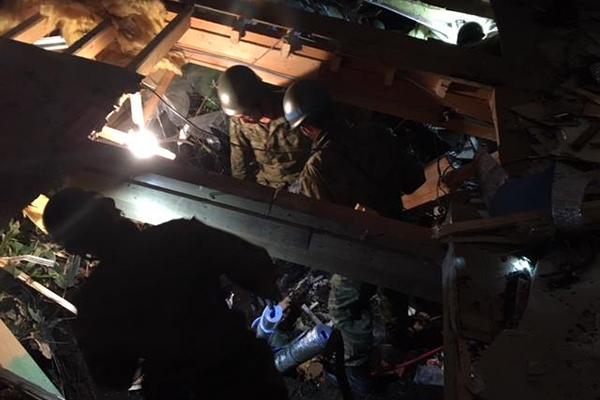 北海道厚真(あつま)町吉野地区では夜を徹して救助活動が行われている。(写真:陸上自衛隊のフェイスブックより)