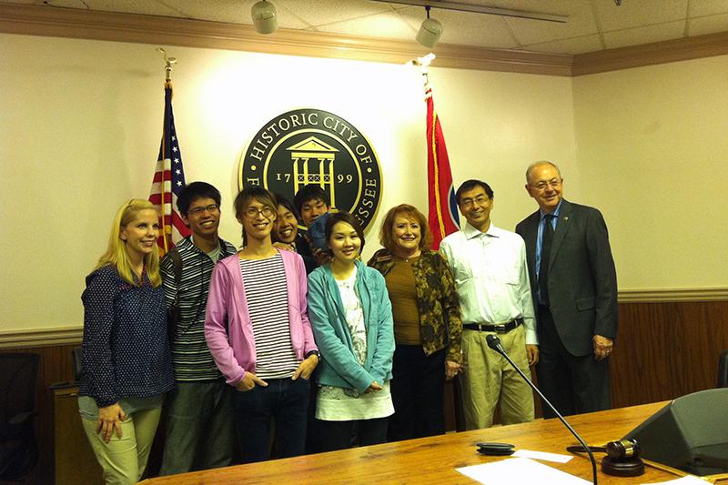 フランクリン市長ケン・モーア氏と私たち