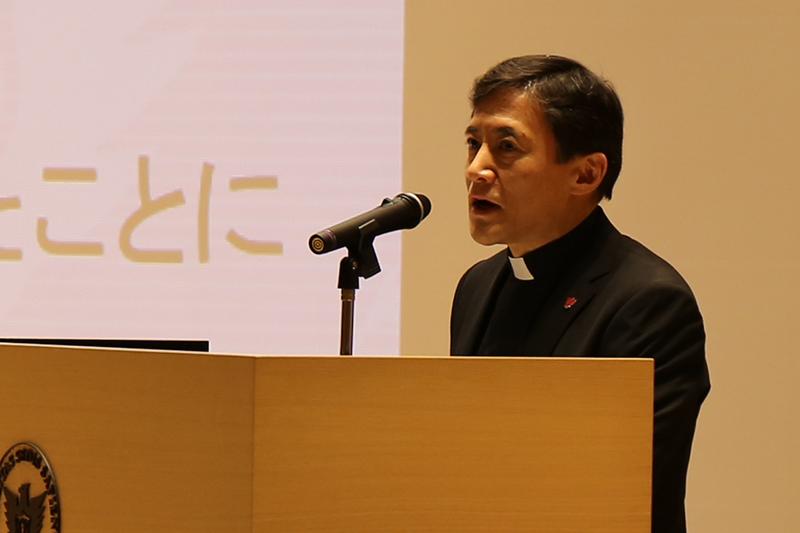 キリスト教はなぜ聖書を翻訳し続けるのか 「聖書協会共同訳」発行記念で特別講演