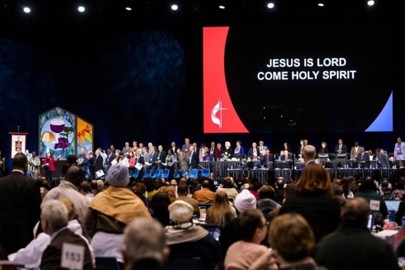 米ミズーリ州セントルイスで23日~26日に開かれた合同メソジスト教会(UMC)の特別総会の様子=24日(United Methodist News Service / Paul Jeffrey)<br />