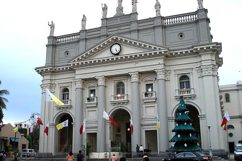 12日にテロ後初めてのミサが行われたスリランカ西部コロンボの聖ルシア大聖堂=2007年(写真:Bevan)