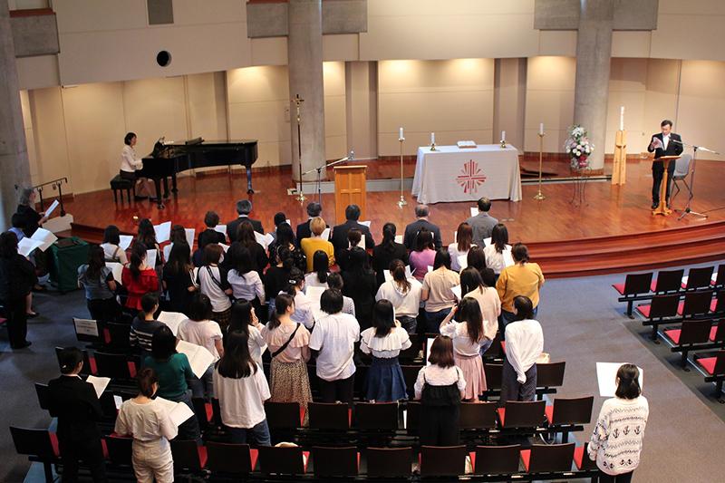 プール学院、創立140周年で記念礼拝と感謝アセンブリー