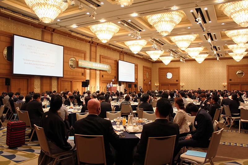 教団教派を超えて集まった約520人の参加者たち=12日、ヒルトン東京お台場で