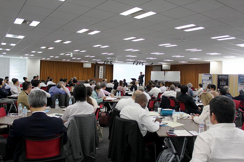 ビジネス信徒セミナーに集まった参加者たち=6月12日、東京・有明のアチーブメント東京研修センターで