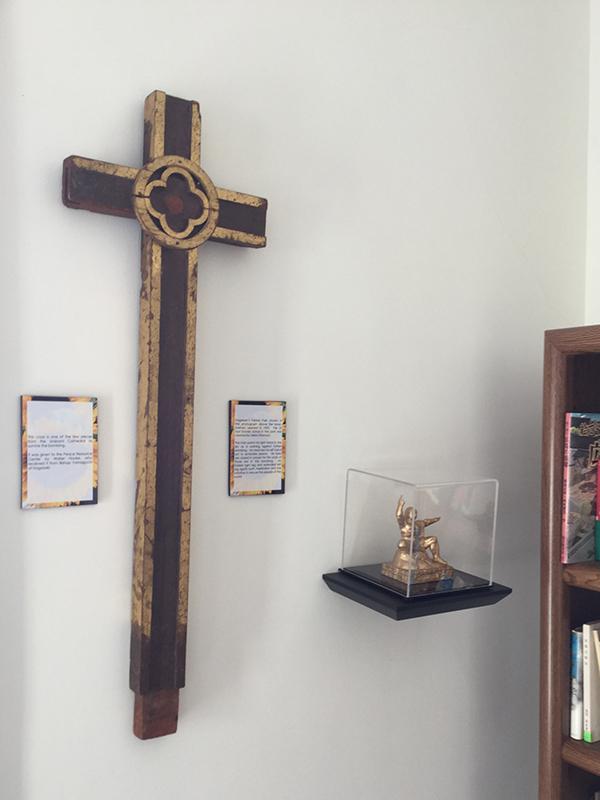 米オハイオ州のウィルミントン大学平和資料センターが所蔵する「被爆十字架」。原爆により倒壊した旧浦上天主堂(長崎市)のがれきの中から発見されたもので、8月にカトリック浦上教会へ返還される。(写真:同センター提供)<br />