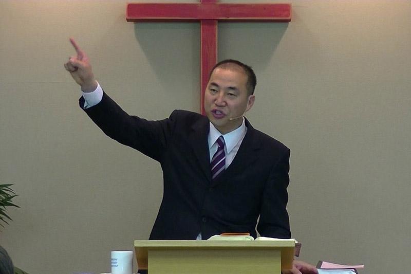 とねりキリスト教会の主日礼拝でメッセージを伝える張清益(チャン・チョンイク)牧師(画像:同教会の説教動画より)