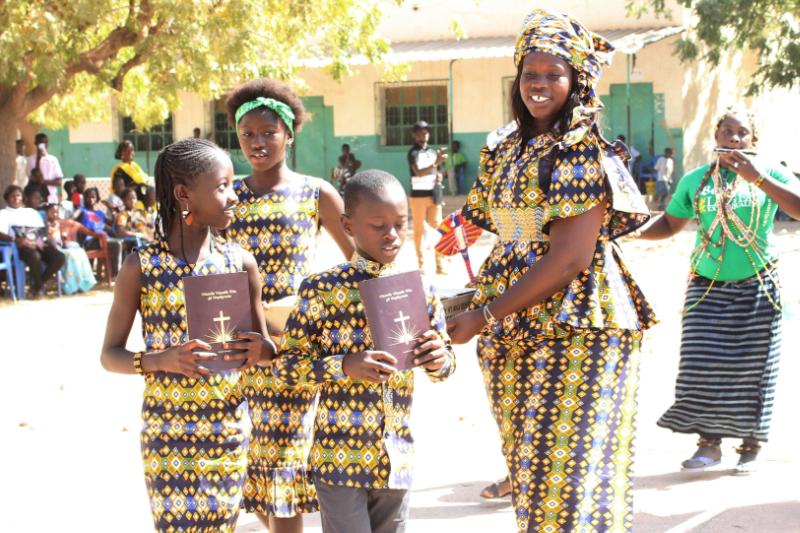 今年初めには、西アフリカのセネガルやギニアで使われているワメイ語(コニャギ語)の新約聖書が完成し、奉献式が行われた。(写真:英国ウィクリフ聖書翻訳協会)