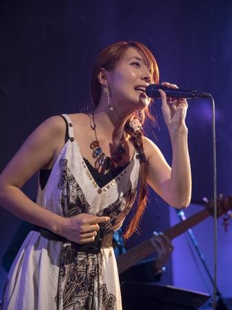 「死にたい」と泣き叫んだ高校時代 シンガーソングライター Migiwa さん