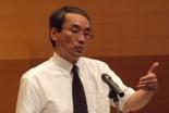 「あらゆる諸国民を私の家へ」と題して聖書から愛国心についてのメッセージを語る東京基督教大神学部長の小林氏=12日、東京千代田区のお茶の水クリスチャンセンターで