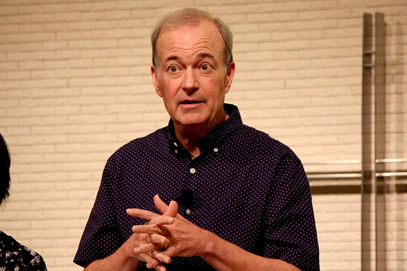 講演するグラント・マレン氏=10月11日、シティビジョン・グローリーチャーチ(横浜市)で