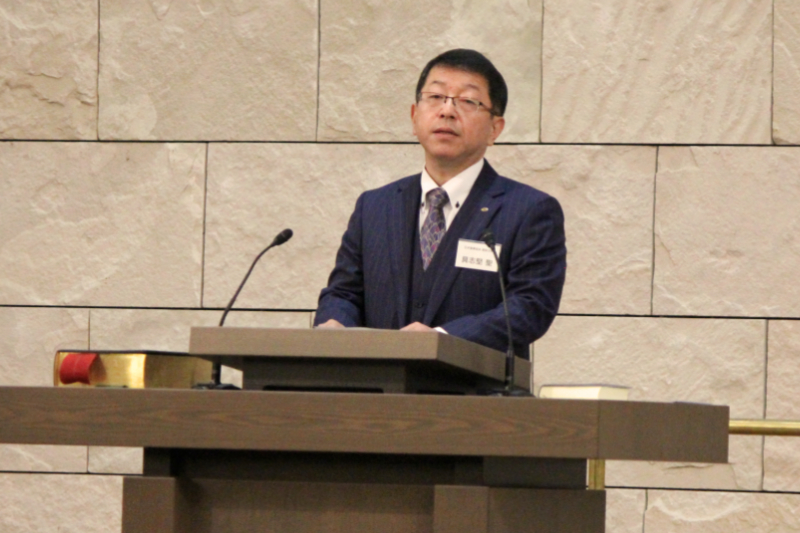 日本聖書協会主催のクリスマス礼拝でメッセージを伝える具志堅聖氏=5日、日本基督教団富士見町教会(東京都千代田区)で