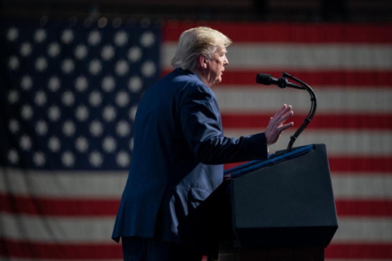 フロリダ州のコンベンションセンターで開かれた集会で演説するドナルド・トランプ米大統領=21日(写真:ホワイトハウス / Shealah Craighead)