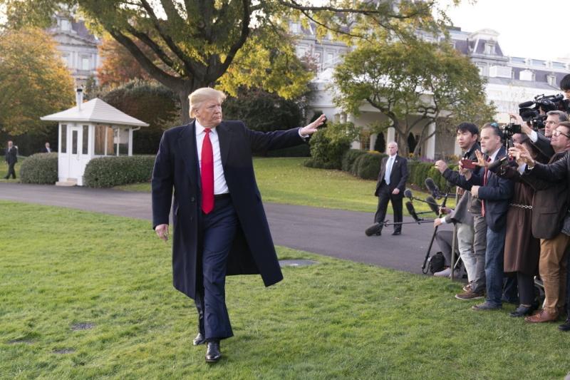 ホワイトハウスで報道陣の取材に応じるドナルド・トランプ大統領=11月4日(写真:ホワイトハウス / Joyce N. Boghosian)