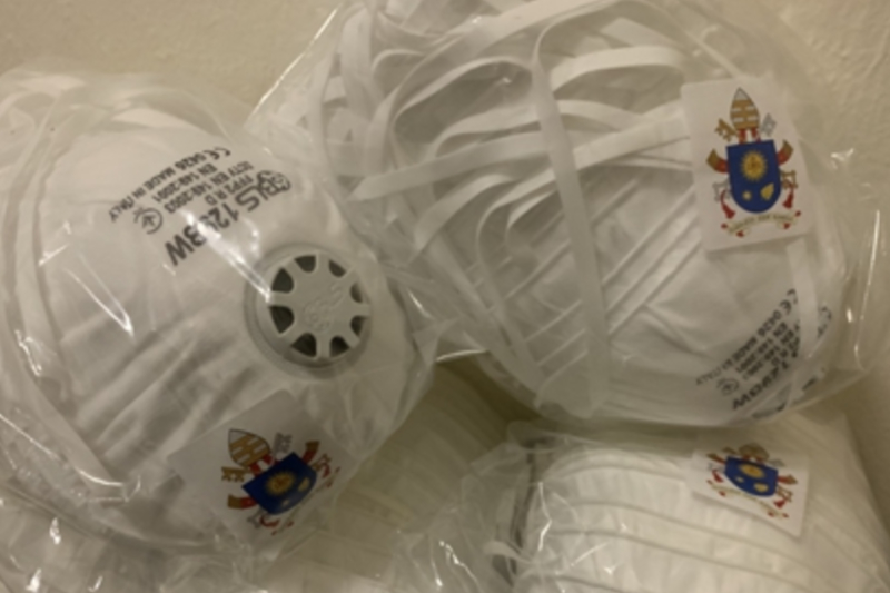 新型コロナウイルス対策のため、バチカンから中国に送られたマスク(写真:ビンチェンツォ・ハン・デュオ神父)