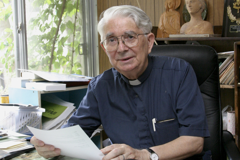 マリオ・カンドゥチ神父=2004年(写真:「月刊キャレル」提供)