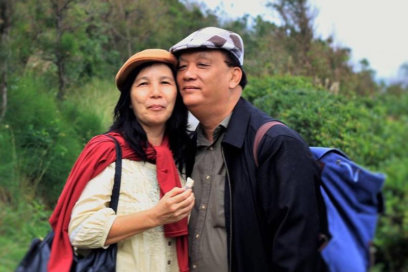 新型コロナウイルスに感染し亡くなったデイビッド・チェン牧師(右)と妻のシム・リーナさん(写真:息子のアンダースさんのフェイスブックより)
