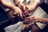 新型コロナで祈る人増加、米ではクリスチャンの7割超が収束のために祈り