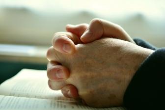 「ますます祈りの炎を」 2つの同刻祈祷受け、JAGが方針を通知