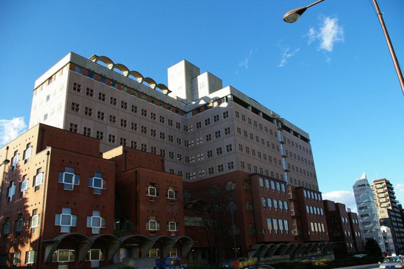 明治学院大学の本館(写真:Tokyo Watcher)