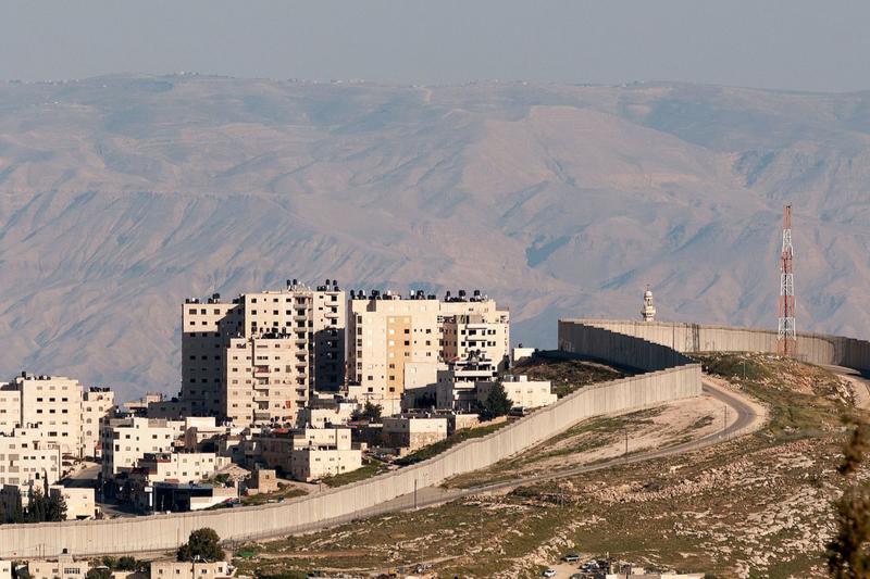イスラエルとパレスチナのヨルダン川西岸地区を隔てる「分離壁」=2016年(写真:©Ralf Roletschek)