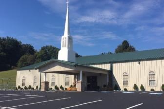 米テネシー州の教会、地元警察の職員全員に一人当たり千ドル寄付