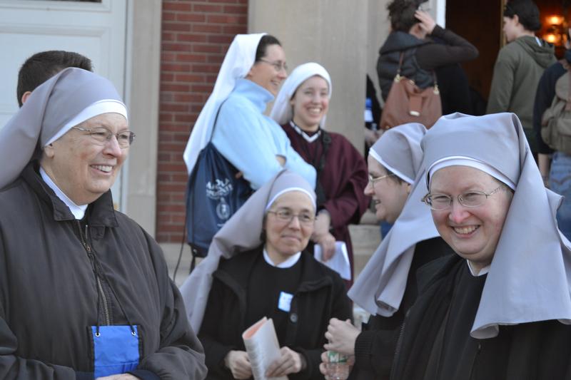カトリックの慈善団体「貧者の小さき姉妹会」のシスターたち=2015年(写真:Goat Girl)