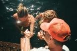「人生で最も特別な瞬間」 ジャスティン・ビーバーが妻ヘイリーと洗礼受ける