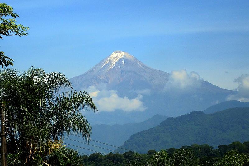 メキシコ最高峰のオリサバ山(写真:David Tuggy)
